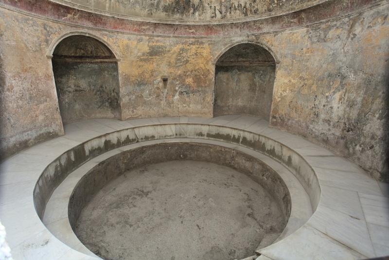 pompeii-bath-130111